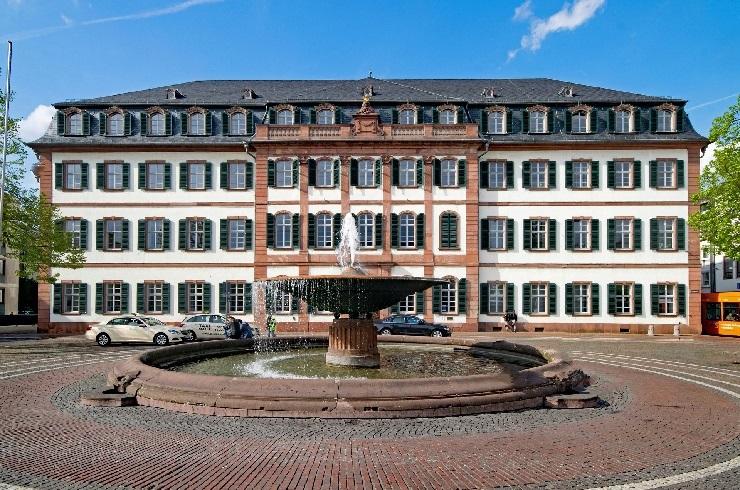 Frontansicht Regierungspräsidium Darmstadt